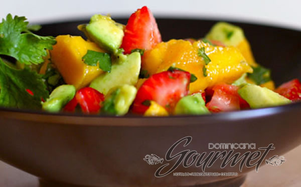 Photo of ENSALADA DE MANGO Y FRESAS