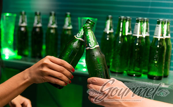 Photo of United Brands celebra la llegada de Carlsberg a República Dominicana