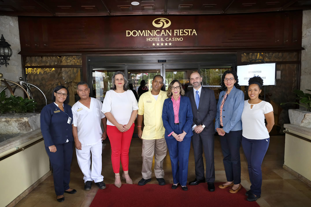 Photo of Dominican Fiesta Hotel & Casino ratifica compromiso con la inclusión social